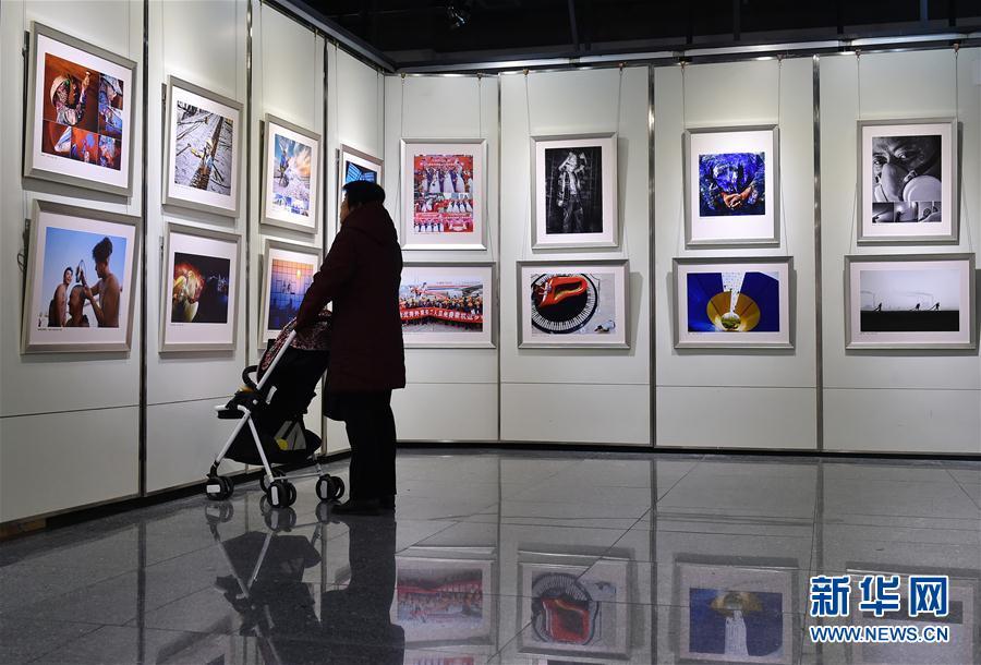 """(文化)(1)第三屆""""農民工·我的兄弟姐妹""""攝影大展在廣州開幕"""
